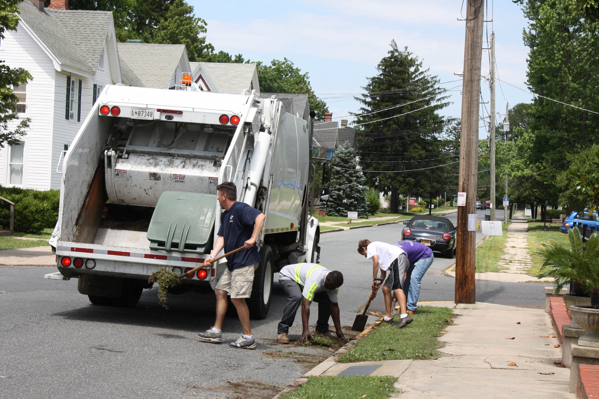 Volunteers cleaning streets